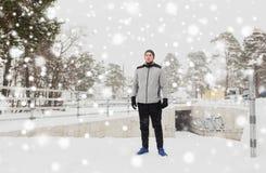 体育在冬天供以人员户外 免版税库存图片