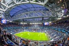 体育场在一次友好的比赛期间的Zenit竞技场,在2018年在世界杯足球赛前 荷兰男人飞行堡垒保罗・彼得・彼得斯堡餐馆俄国圣徒 2018年3月27日 免版税图库摄影