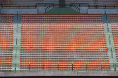 体育场红色位子 免版税库存照片