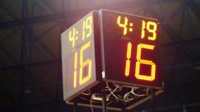 体育投篮秒表读秒 发光的LED屏幕显示信息 数字在焦点得到 股票视频