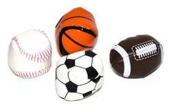 体育球的汇集与足球、橄榄球、棒球和篮子的 免版税库存图片