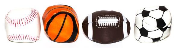 体育球的汇集与足球、橄榄球、棒球和篮子的 免版税库存照片
