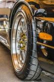体育轮子轮胎坚果防御者 免版税库存图片