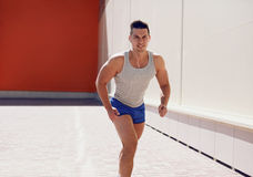 体育,生活方式概念-人赛跑 免版税库存照片