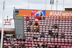 何塞安东尼奥撑竿跳高事件的马尔多纳多西班牙在国际田联世界U20冠军坦佩雷,芬兰11 免版税库存照片