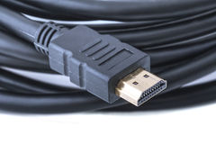 任何HDTV、家庭影院系统、电子游戏控制台或者Blu-ray球员的HDMI缆绳 库存照片