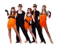 余兴节目舞蹈演员小组跳舞 查出在白色 免版税库存图片