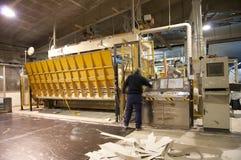 佛式造纸机磨房纸张工厂黏浆状物质 免版税库存照片