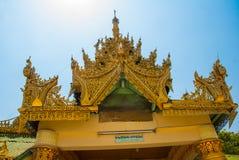 佛教塔在一个小镇实皆,缅甸 免版税库存照片