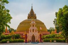 佛教塔在一个小镇实皆,缅甸 库存图片