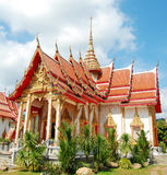 佛教寺庙上面在普吉岛,泰国 免版税库存照片