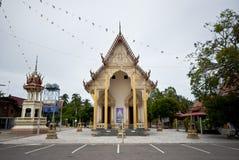 佛教寺庙在农村泰国 免版税库存照片