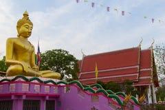 佛教寺庙地标在Wat Sai东杨寺庙的 Phichit 免版税库存图片
