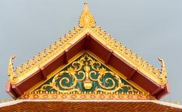 佛教寺庙屋顶细节在泰国 免版税库存照片