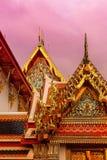 佛教寺庙的金黄穹顶 免版税库存照片