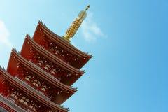 佛教寺庙的Senso籍著名五层塔在浅草,东京,日本 免版税库存照片