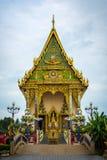 佛教寺庙的Wat在酸值Samu的Plai Laem主要教堂 免版税库存图片