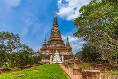 佛教寺庙阿尤特拉利夫雷斯- bhuda图象泰国 免版税图库摄影