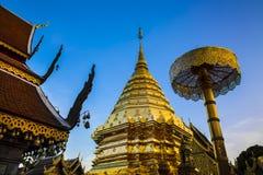 佛教寺庙(Wat Phra土井素贴),清迈、地标和旅游胜地在泰国。 免版税库存照片