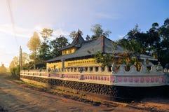 佛教小山寺庙,斯里兰卡 免版税库存图片