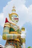 佛教巨人守卫寺庙 图库摄影