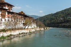 佛教徒修道院/堡垒Dzong外部在Punhaka,不丹 库存照片
