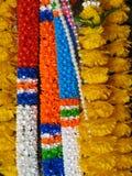 佛教花卉奉献物在南泰国 图库摄影