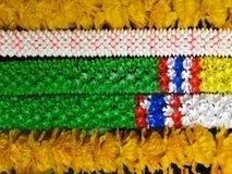 佛教花卉奉献物在南泰国 库存图片