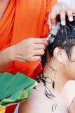 佛教整理仪式,切开头发 免版税库存图片