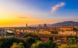 佛罗伦萨、Ponte Vecchio, Palazzo Vecchio和佛罗伦萨中央寺院,意大利 库存照片