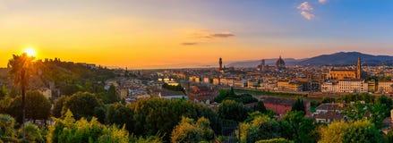 佛罗伦萨、Ponte Vecchio, Palazzo Vecchio和佛罗伦萨中央寺院,意大利 库存图片