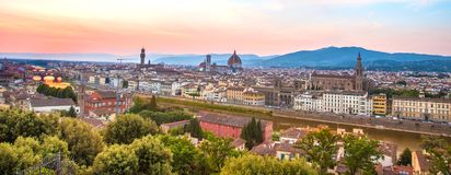 佛罗伦萨一幅美妙的全景从米开朗基罗广场a的 图库摄影