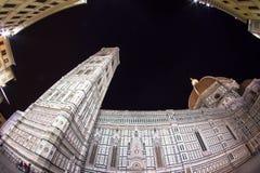 佛罗伦萨中央寺院在晚上 免版税库存图片