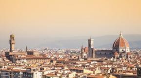 佛罗伦萨中央寺院视图 免版税库存照片