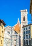 佛罗伦萨中央寺院,Cattedrale二圣玛丽亚del菲奥雷,花大教堂的圣玛丽大教堂有钟楼的 图库摄影