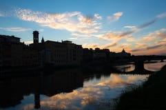 佛罗伦萨剪影在黎明 免版税库存图片