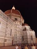 佛罗伦萨在夜之前-大教堂二圣玛丽亚del菲奥雷或中央寺院 库存图片