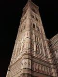 佛罗伦萨在夜之前-大教堂二圣玛丽亚del菲奥雷或中央寺院 免版税库存图片