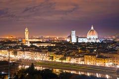 佛罗伦萨在晚上,意大利。 免版税库存照片