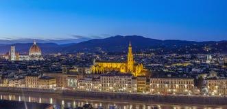 佛罗伦萨在晚上,意大利看法  免版税库存照片