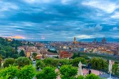 佛罗伦萨在晚上,意大利著名看法  免版税库存图片