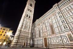 佛罗伦萨大教堂和钟楼在晚上,意大利 库存图片
