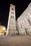 佛罗伦萨大教堂和钟楼在晚上,意大利 库存照片