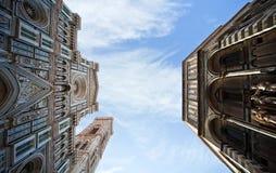 佛罗伦萨广场对天空的大教堂视图 图库摄影