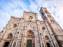 佛罗伦萨意大利 中央寺院的细节在一个明亮的晴天期间,但是没有在门面的阴影 库存图片