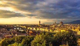 佛罗伦萨或佛罗伦萨日落天线都市风景 意大利托斯卡纳 免版税库存照片