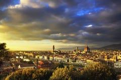 佛罗伦萨或佛罗伦萨日落天线都市风景 意大利托斯卡纳 库存图片