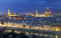 佛罗伦萨晚上全景 免版税库存照片