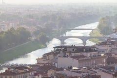 佛罗伦萨的城市视图和亚诺河河,托斯卡纳,意大利 库存图片