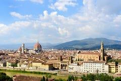 佛罗伦萨看法从Piazzale米开朗基罗的有剧烈的天空的,佛罗伦萨,意大利 图库摄影